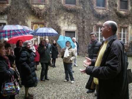 Il vice sindaco di Sartirana Lomellina, David Gasparotto, dà il benvenuto in castello