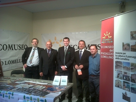 Da sinistra, Sacchi, il vice presidente della Provincia di Pavia, Marco Facchinotti, l'onorevole Marco Maggioni, il sindaco di Breme, Francesco Breme, e il presidente dell'Ecomuseo, Giovanni Fassina
