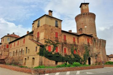 Sartirana, castello