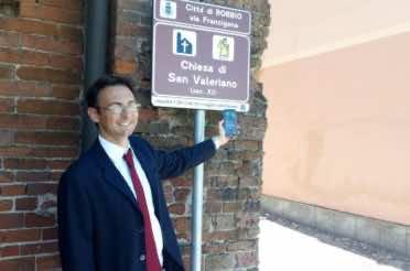 Robbio installa i codici QR sui cartelli turistici